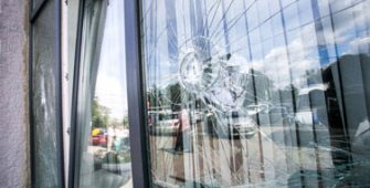 vitre-casse-vitrier-urgence-zoom